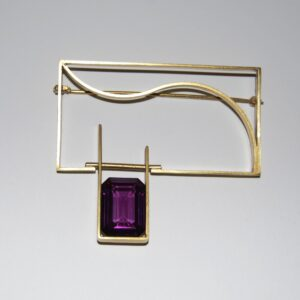 Brooch with Spinell Alexandrite
