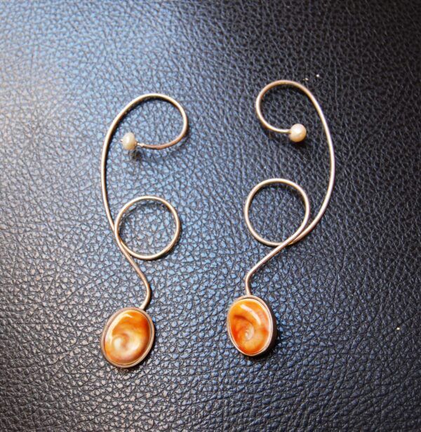 Earrings Silver 925 Eye of the sea, Among the oysters a sea snail is essentially that its cap, if you will, becomes a stone Coral in the color of sunset or dawn